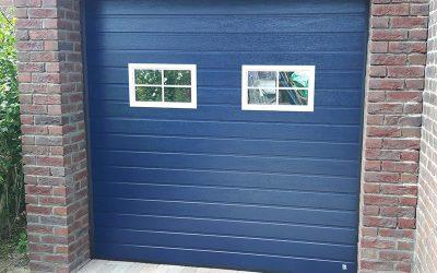 garagedeur blauw